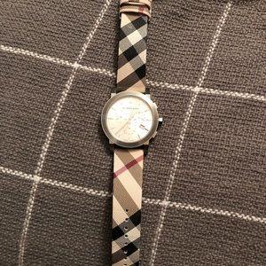Burberry BU9357 City Chronograph Check Strap Watch